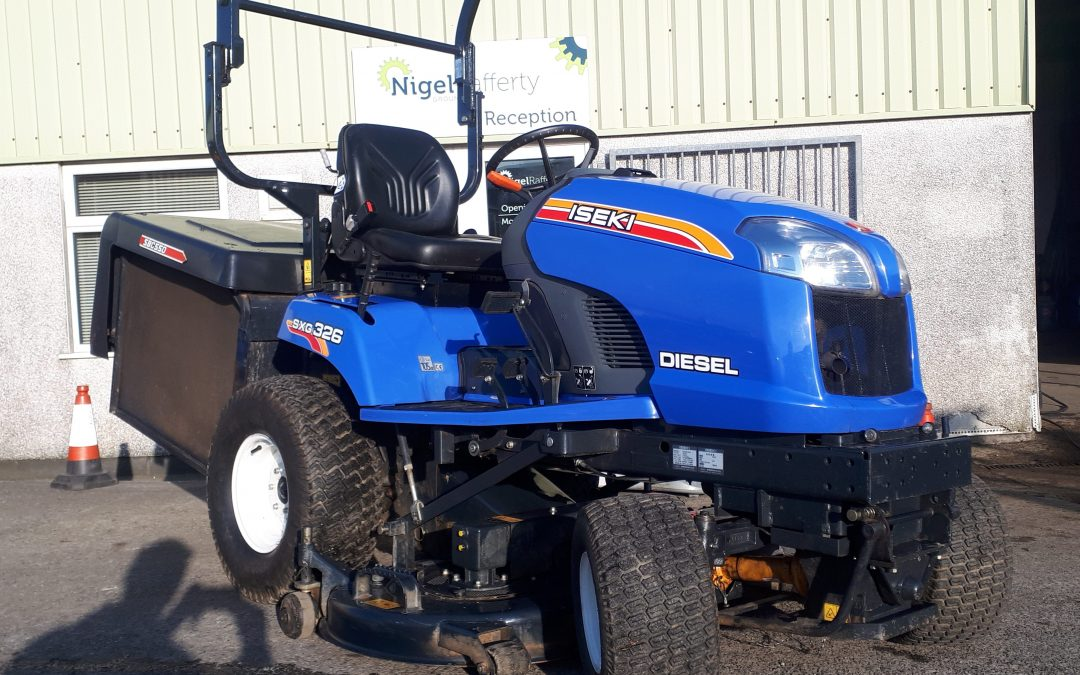 FOR SALE – PRE-OWNED ISEKI SXG326 RIDE-ON MOWER WITH 54″ DECK & LOW DUMP COLLECTOR NOW SOLD!!